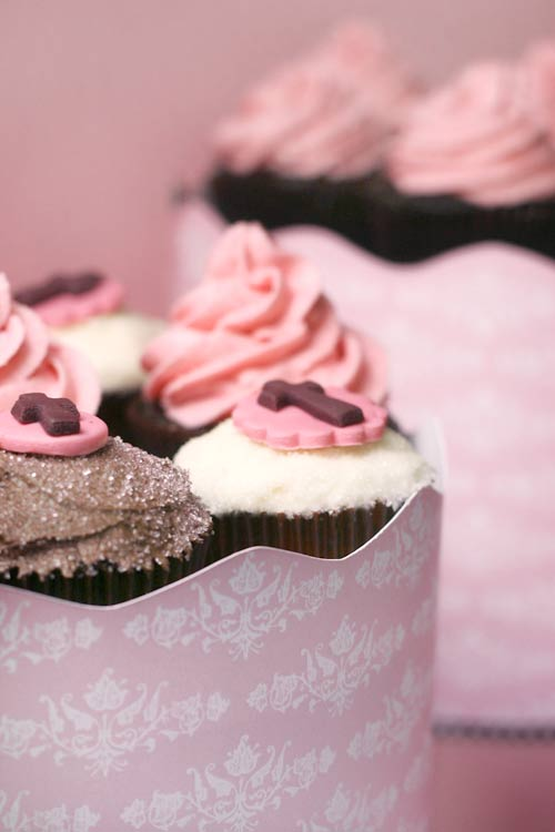 The Cupcake Tower Bakerella Com