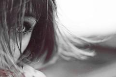 Quando soffia il maestrale (mickiky) Tags: sea woman selfportrait eye texture beach me hair myself blackwhite donna mare wind autoritratto remotecontrol breeze ritratto occhio spiaggia biancoenero vento autoscatto capelli