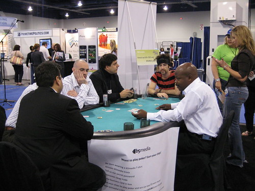 Kris Krug and Jeremy Wright at the b5 media Poker table at Blogworld Expo