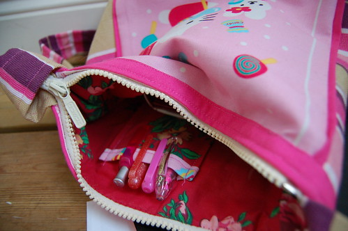 Hello Kitty handbag with inside pocket