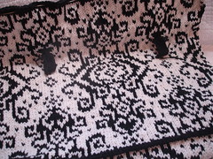 Medallion Travel Bag (valeriecpa) Tags: travel bag knitting medallion