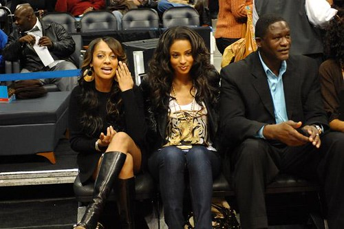 Ciara Jermaine Dupri and rudy watching nuggets Vs the hawks