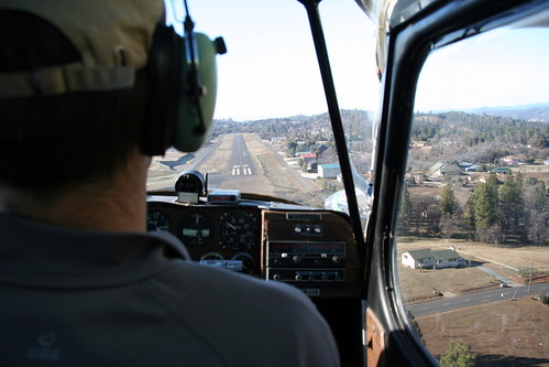 Approach to Pine Mountain Lake Airport (E45)