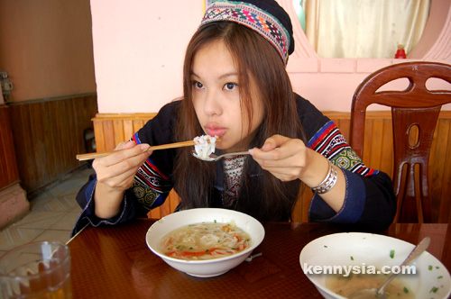 me in sapa eating noodle