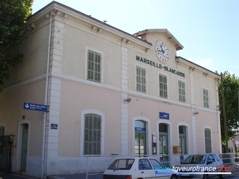 La façade de la gare de Marseille-Blancarde (13004) à proximité de la station du tramway marseillais