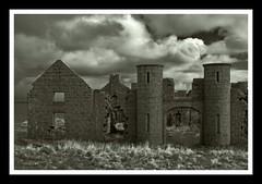 Slains Castle (Cordin4) Tags: old blackandwhite bw castle canon scotland ruins aberdeenshire derelict slainscastle crudenbay bwdreams eos400d cordin4
