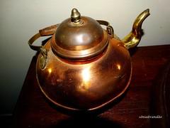 Hora do chá (Sophie Carrière) Tags: chá chaleiraobjeto