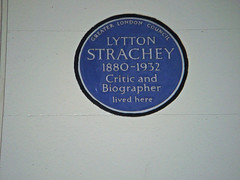 Photo of Lytton Strachey blue plaque