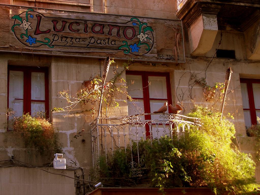 Luciano Pizza,  Malta