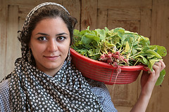 (HORIZON) Tags: portrait woman girl smile face smiling portraits happy persian women faces iran artistic expression horizon hijab persia portraiture iranian lovely soe peoplepix domab czerwony artisticexpression kobieta tchador koszyk chustka umiech isfahanprovince domabvillage mywinners abigfave platinumphoto 6millionpeople rzodkiewki