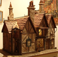 Leaky Cauldron / Diagon Alley Dollhouse from Harry Potter (Jack English) Tags: english halloween make jack miniature alley mary harry potter scene explore dont cauldron dollhouse leaky diagon ciccolella aplusphoto diamondclassphotographer goldstaraward