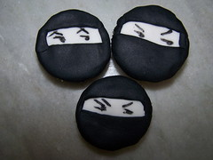 cuidado! ninjas se esconderam nos cupcakes! (telinha) Tags: cupcakes e minibolos
