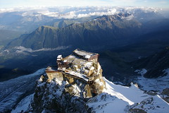 Vista d'alada / Panorama from 3800 m. (SBA73) Tags: panorama france mountains alps alpes view frana peak pic du pico vista midi chamonix francia montblanc montaas plataforma massif aiguilledumidi aiguille vall muntanyes teleferic littlestories anawesomeshot aplusphoto francelandscapes picswithsoul aguilledumid 100commentgroup