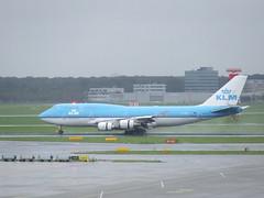 KLM B747, PH-BFL (sohvimus) Tags: holland amsterdam airplane airport aircraft airplanes thenetherlands aeroplane boeing klm schiphol ams boeing747 747 aeroplanes noordholland b747 vliegtuig eham boeing747400 luchthaven haarlemmermeer northholland lentokone lentoasema hollanti amsterdamairportschiphol lentokentt royaldutchairlines reversethrust skyteam alankomaat airfranceklm aero:man=boeing aero:airline=klm aero:airport=eham phbfl cityoflima schipholamsterdam luchthavenschiphol boeing747406 aero:tail=phbfl