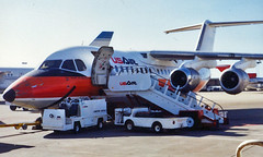 USAir BAe146 (So Cal Metro) Tags: plane airplane airport san rj sandiego aircraft aviation jet airline 1980s airliner psa avro usair usairways bae146 lindberghfield britishaerospace regionaljet sandiegoairport pacificsouthwestairlines
