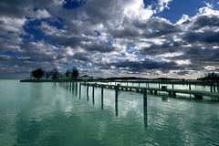 Balatonfred, molo (kenyai) Tags: sky lake port lago hungary porto cielo acqua molo balaton ungheria 10mm canonefs1022mmf3545usm canon30d interestingness4 balatonfred i500 eidem kenyaieidem eidemteointarifa