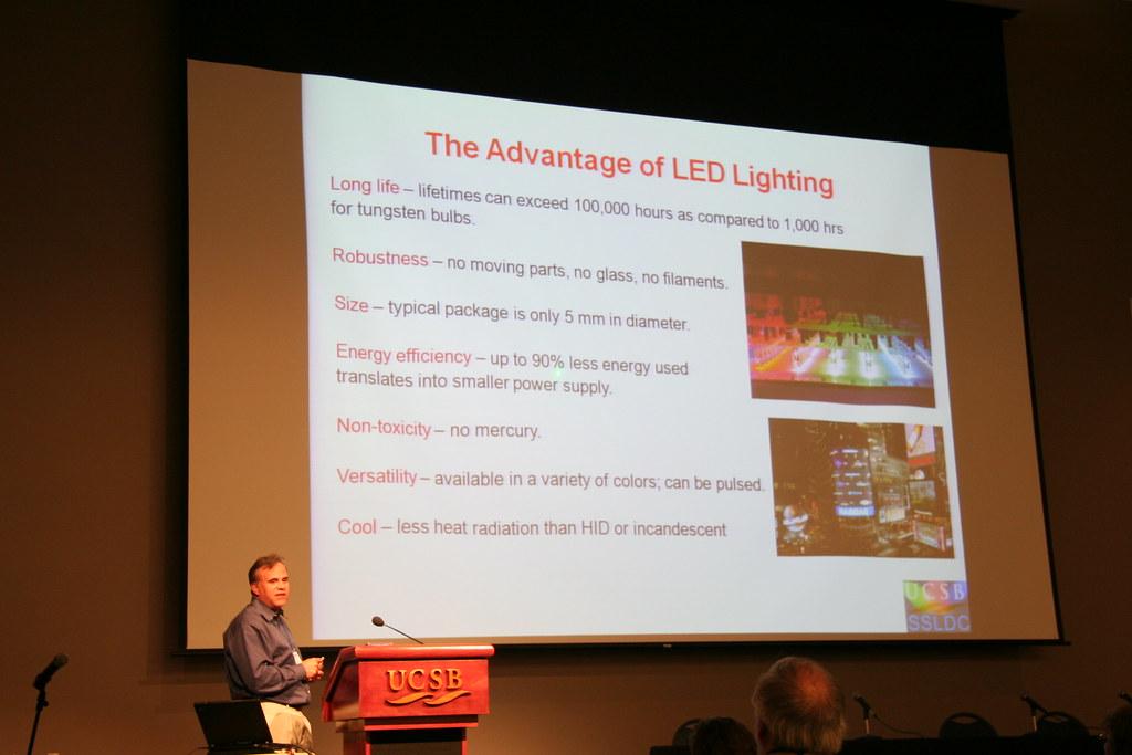EI08: Energy-Efficient Electronics