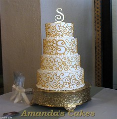 Jennifer Shook's Wedding Cake (mandotts) Tags: gold monogram ivory weddingcakebridescakescrollsweddingcakebridescakescrolls buttercreamhandpainted