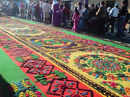 Antigua guatemala alfombras semana santa en el mundo for Alfombras de antigua