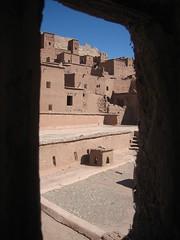 Ait Benhadou (Morocco) (Amaia eta Gotzon) Tags: africa travel viaje building architecture arquitectura viajes morocco adobe maroc afrika marruecos moroco ait kasbah áfrica marrón aitbenhadou travelphoto bidaiak benhadou