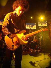 Hard Rock Live @ Cheo's (Edvill) Tags: amigos rock cafe juan venezuela jose concierto hard caracas fender manuel evento bateria luis doritos invisibles pardo pantallas cheo roura mamulo