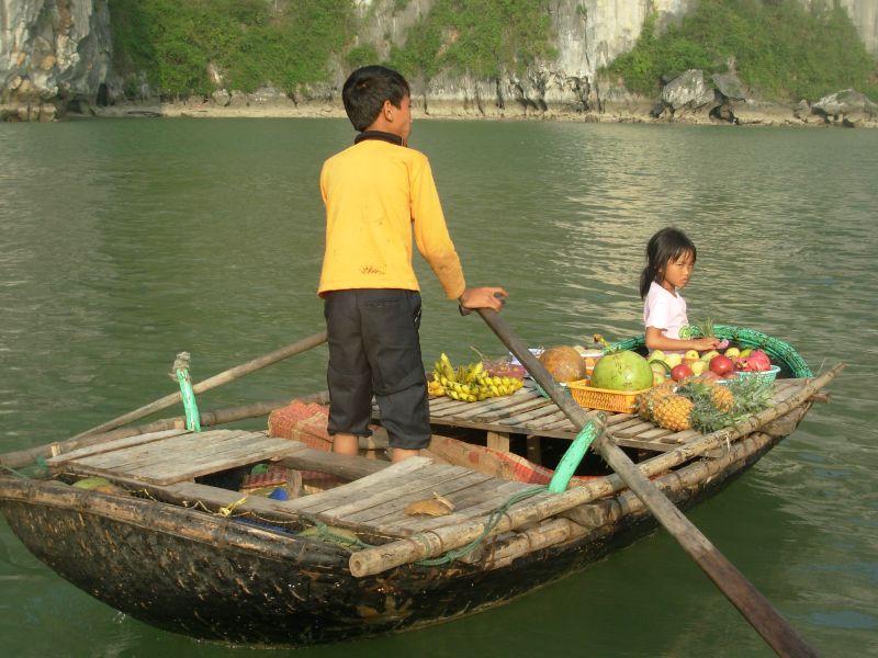 Sur l'eau-Ha Long (2)