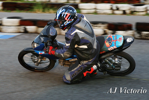 canon philippines helmet bank motorcycle yamaha x1 tarlac leathersuit buse circuitrace ef2470f28l kneedrag 110cc kneeslider underbone eos1dmark2n hangoff ajtrading veerubber