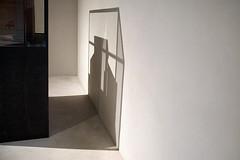 (LichtEinfall) Tags: light shadow composition licht köln vitrine erpe img2894afa erzbischhöflichesmuseum phototourwithbarb raperre urbancubism