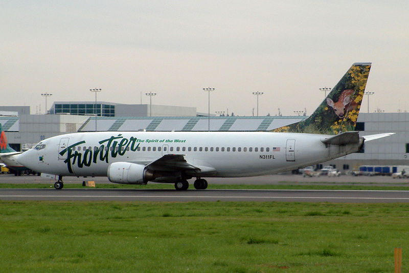 07_800px-Frontier_Boeing_737-300
