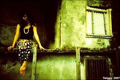 (Twiggy Tu) Tags: portrait green 120 film wall holga lomo fiona taipei rocknroll photographyexhibition flappergirl p1f1 aplusphoto shesmybestmodel 搖擺女郎攝影聯展