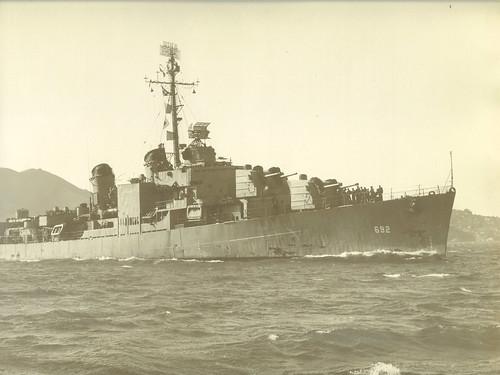 USS Allen M Sumner (DD-692)