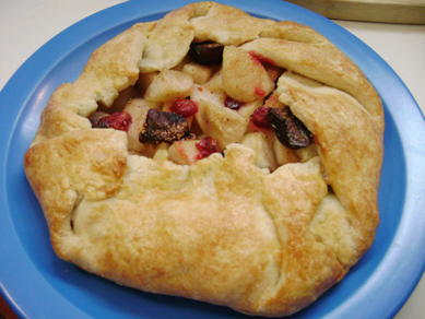 fig, apple, cranberry crostata