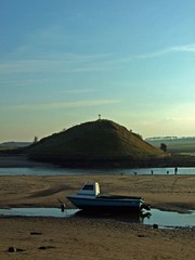 Alnmouth Cross (RoystonVasey) Tags: uk england river boat fuji cross britain united tide low great kingdom estuary northumberland alnmouth gb aln s6500fd notayacht