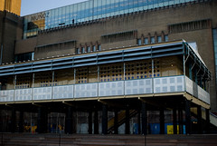 06 February, 17.17 (Ti.mo) Tags: uk england house london architecture tate tatemodern southbank villa tropical aluminium bankside tropicalmodernism jeanprouv lamaisontropicale jeanprouv
