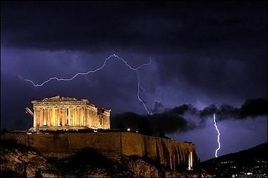 Tormenta sobre Acropolis