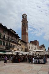 Torre dei Lamberti (kpmst7) Tags: 2018 eurasia europe italia italy westerneurope southerneurope veneto veronaprovince verona street plaza tower belltower clock unesco