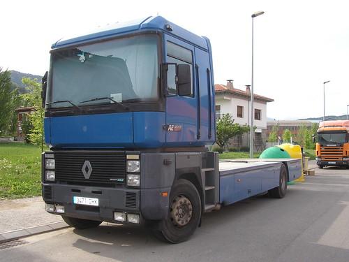 Renault a Ripoll (Girona)