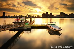(joyoyo) Tags: city longexposure sunset bw black reflection water river landscape boat twilight nikon taiwan surface tokina sd card wharf if pro taipei   technique 1224mm  f4 tamsui dx atx  danshui   d90   neutraldensityfilter nd64 t124 tokinaatx124afprodx1224mmf4   nd106 joyoyo  tokinat124 bwnd106 bwnd64  mygearandme