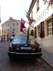 The SNORAS Bentley (hansco) Tags: hotel licenseplate bentley lithuania vilnius litouwen arnage snoras bankas viesbutis