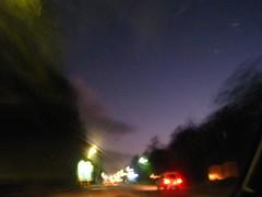 凌晨,開車前往機場