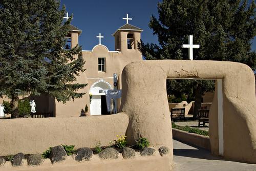 iglesia san francisco taos