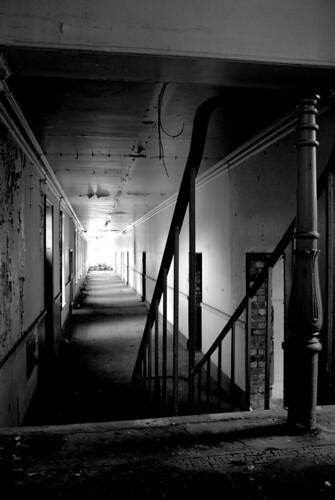 2065696978 1a5bd39809 10 bekas rumah sakit jiwa menyeramkan yang ditutup di Inggris