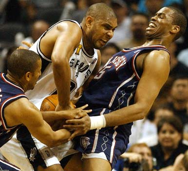 Jason Collins and Tim Duncan in an intimate NBA Finals moment