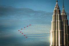 Red Arrows KL Twin Towers (lynnpeck1) Tags: kualalumpur malaysia raf redarrows petronas twintowers smoketrails building architecture