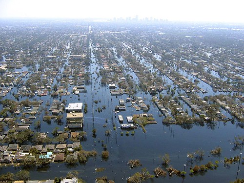 New Orleans during the flood (by: NOAA)