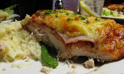 The Palmerston Hotel: Chicken parma