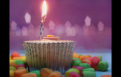 { r e e m a ;~ (Fashionista' [QTR]) Tags: birthday 3 happy yummy candle sweet 15 cupcake selfridges marshmallow colored fashionista reema missingu alreem reemani rayoom candleflickr