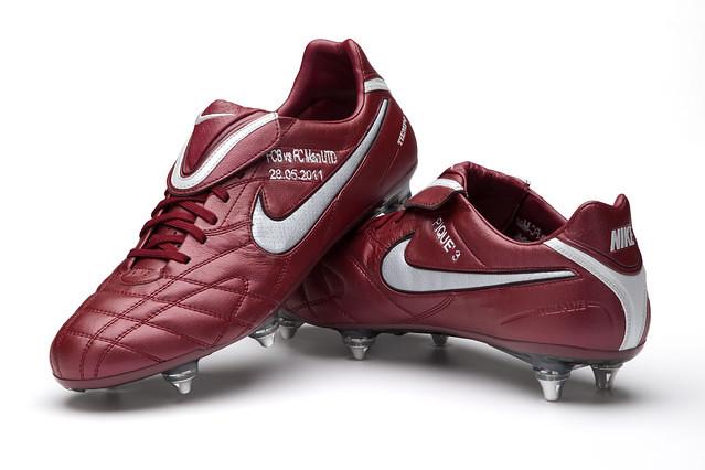 Sepatu Barcelona