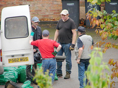 Gardeners (kh1234567890) Tags: uk england manchester gardeners candid telephoto fallowfield dsch1 vcldh1758 workersinaction