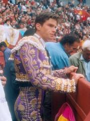 Eduardo Gallo en el burladero de Acho, Lima